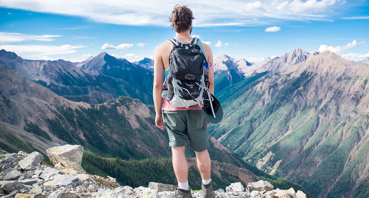 Small Hiking Backpack Reviews